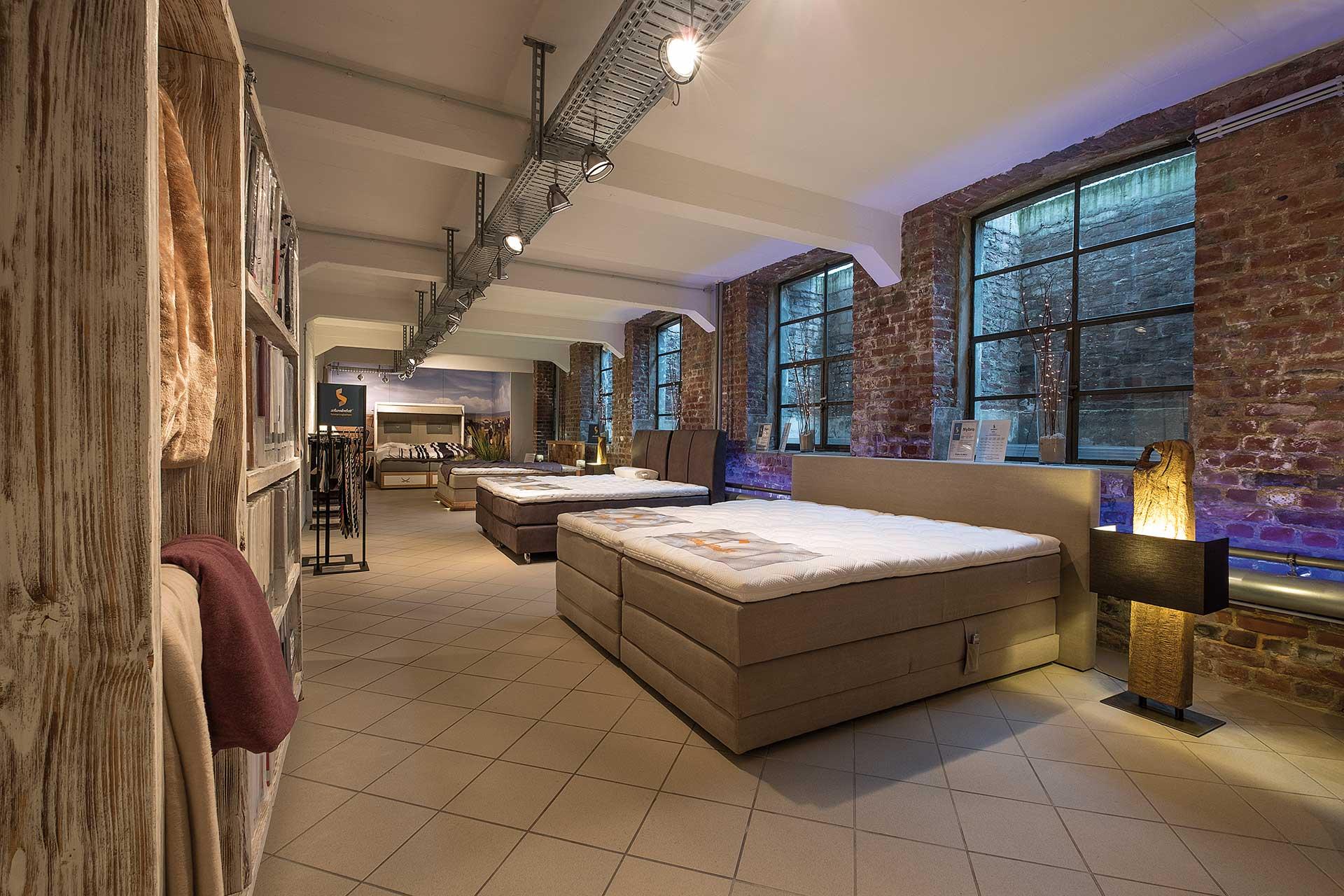 Schwedenbett boxspringbetten for Betten lagerverkauf